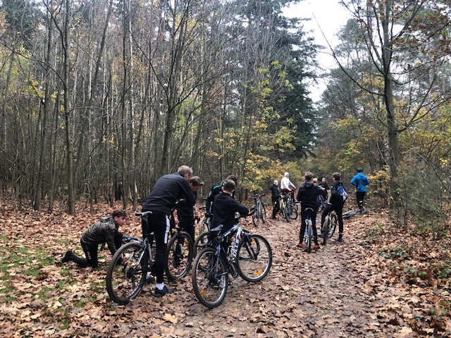 Mountainbiken met de J013-1 1